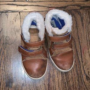UGG Kids T Renton Sneaker/Boot